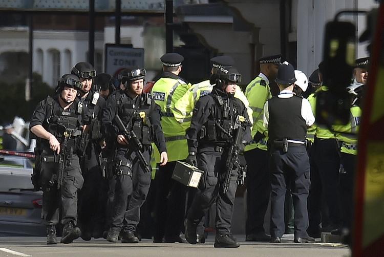 Detido terceiro suspeito ligado ao ataque no metro de Londres