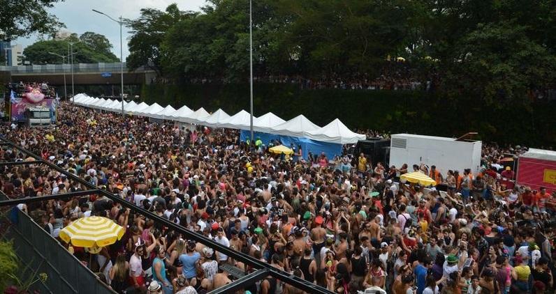 37 blocos desfilam hoje pelas ruas de São Paulo