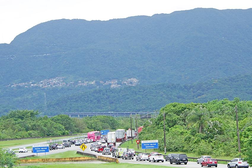O tráfego está congestionado na serra da rodovia dos Imigrantes
