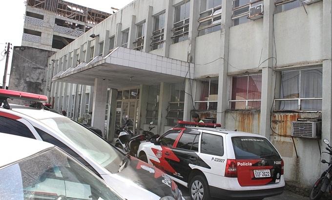 O caso foi registrado na Delegacia Sede de São Vicente