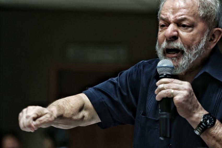 O tríplex atribuído ao ex-presidente Lula vale R$ 2,2 milhões