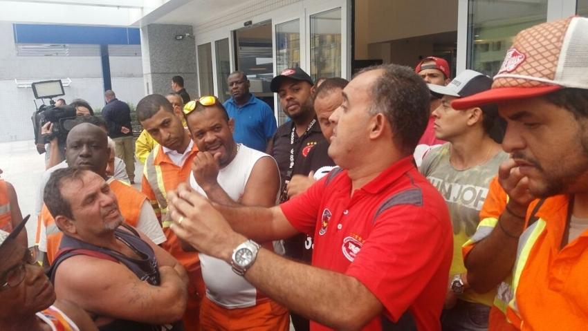 Os cerca de 3 mil estivadores de Santos farão passeata na segunda