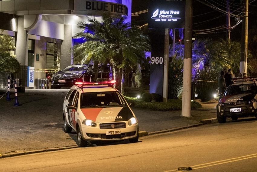 Duas hóspedes do hotel também foram baleadas no crime