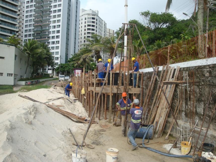 Além de um deck em madeira ecológica, o projeto prevê ciclovia e rampa de acessibilidade