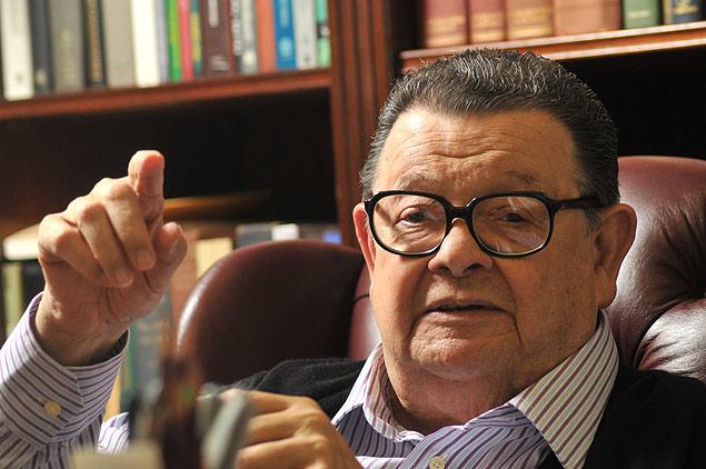 Em nota, o Ministério Público Federal, no Paraná, informou que Delfim Netto é suspeito de receber parcela das vantagens indevidas que seriam direcionadas aos partidos PMDB e PT