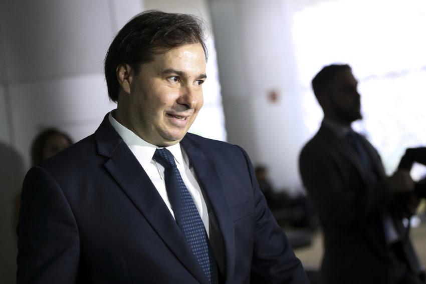 Partidos da base do presidente Michel Temer sinalizam apoio à candidatura de Rodrigo Maia ao Planalto