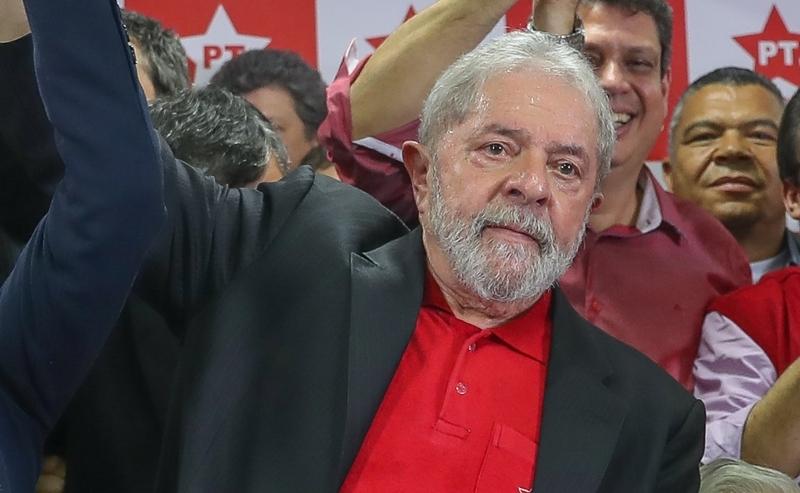 Juiz Moro manda prender ex-presidente Lula no caso do triplex