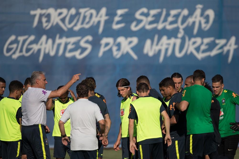 3baaebe01b Tite confirma time que entra em campo na estreia do Brasil na Copa - Diário  do Litoral