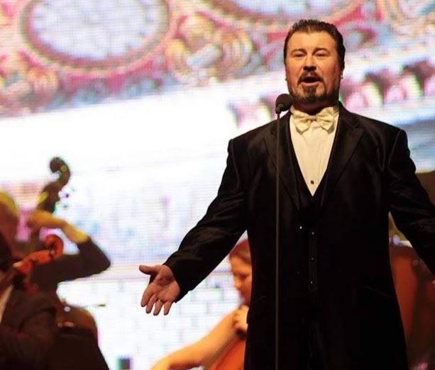 O tenor italiano Ezio Bonini traz ao Brasil o concerto Os 3 Tenores
