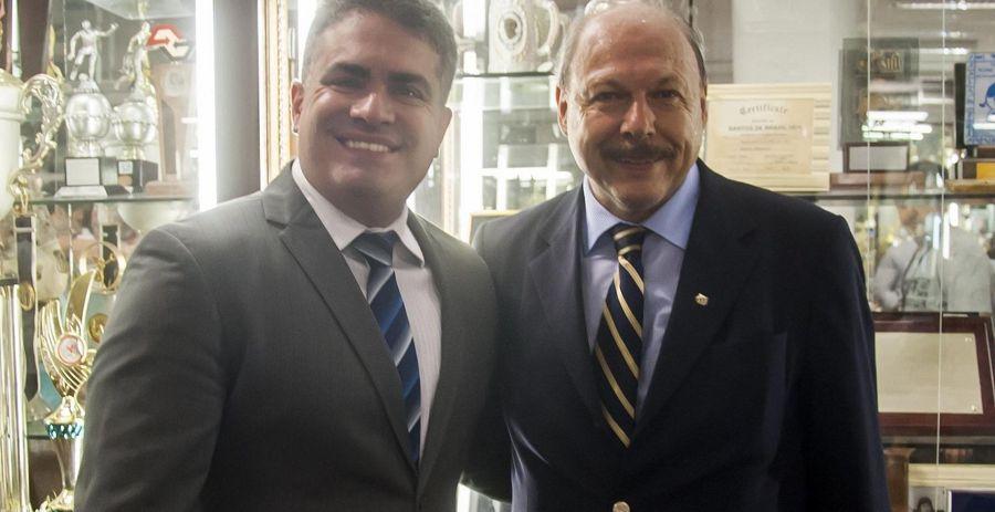 Orlando Rollo (à direita) e José Carlos Peres posam antes das eleições no clube.
