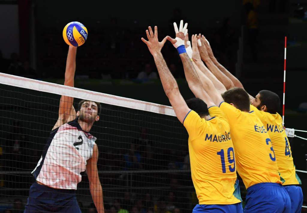 Apesar da formação alternativa, o Brasil mostrou consistência diante dos americanos.