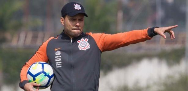 O técnico Jair Ventura, 39, completa nesta quarta-feira (10) o seu 34º dia à frente do Corinthians