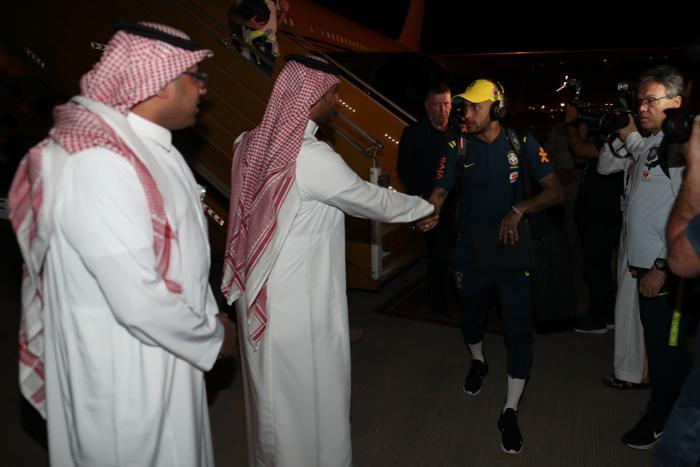 O debate é recorrente na concentração para os jogos contra Arábia Saudita, nesta sexta-feira (12)