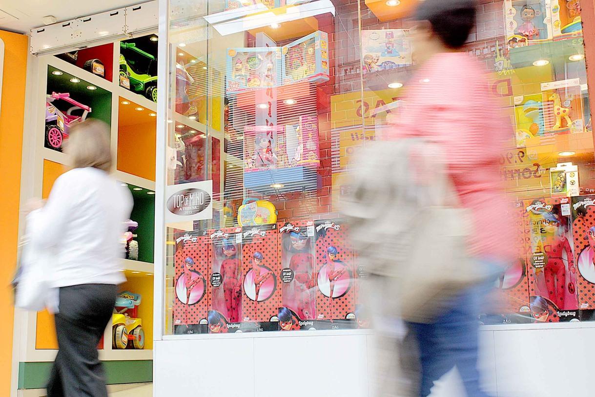 O comércio da região deve abrir até cinco mil vagas temporárias