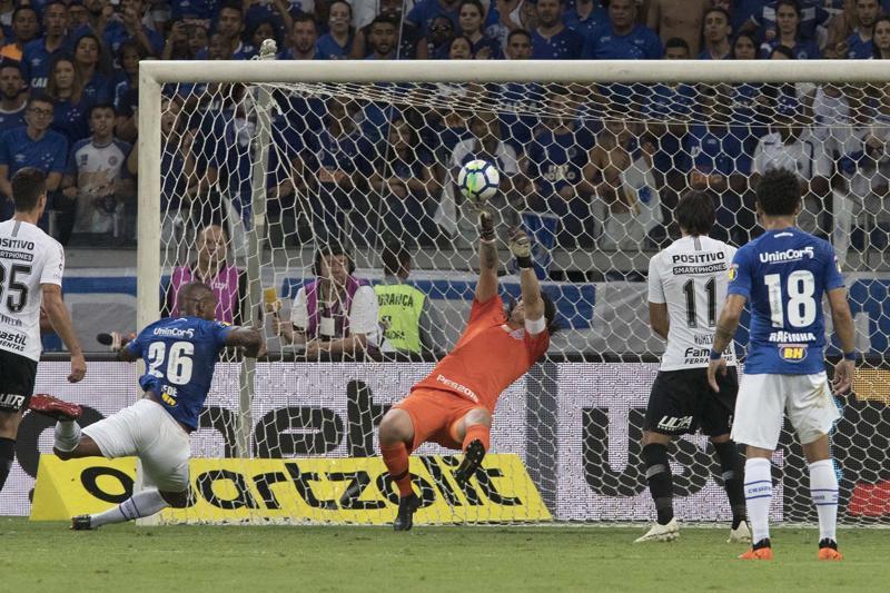 Corinthians aposta em descanso e apoio da torcida para virada sobre Cruzeiro