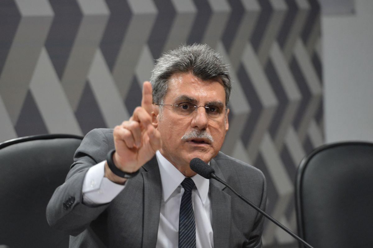 Jucá disse que o partido ficará 'independente' e que a legenda votará de acordo com os interesses do país
