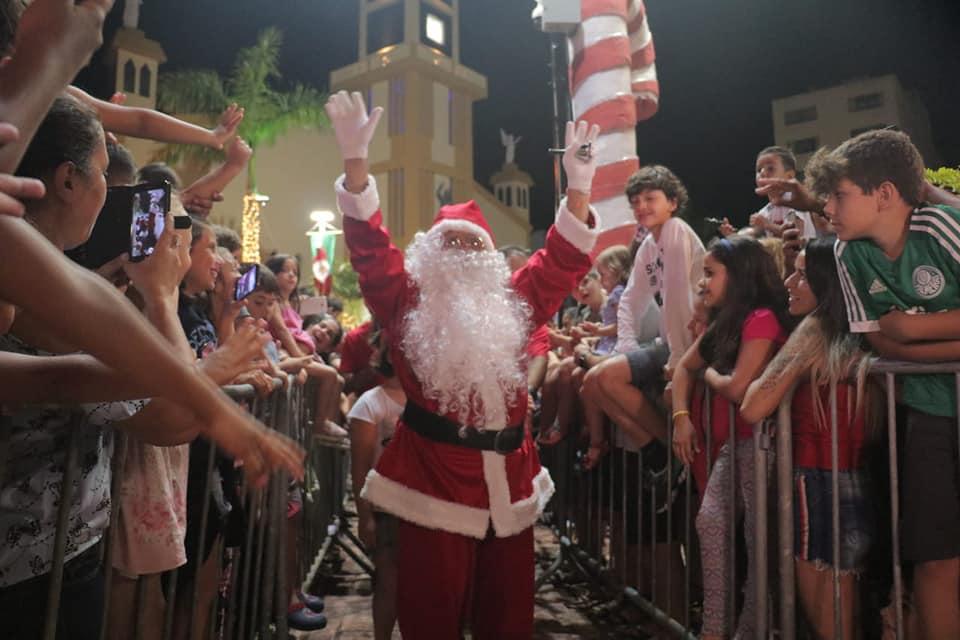 O Natal na Praia segue até o dia 6 de janeiro, com apresentações de grupos musicais e de dança todas as noites