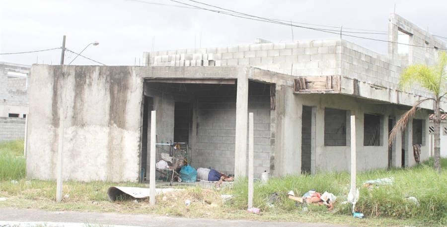 Residenciais seguem sem prazo de entrega em Praia Grande - Diário do Litoral
