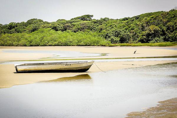 Assim que o visitante tem contato com a areia lhe salta aos olhos um cenário paradisíaco (Foto: Rodrigo Montaldi/DL)