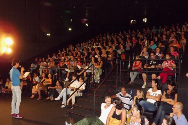 Artista plástico e cinéfilo Waldemar Lopes ministrará palestra sobre o Oscar no dia 21, às 20h30, no Cine Roxy 4 Pátio Iporanga (Crédito: Carlos Oliveira)